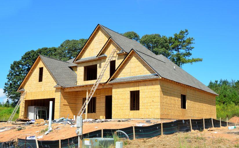 Stosownie z bieżącymi regułami świeżo stawiane domy muszą być oszczędnościowe.